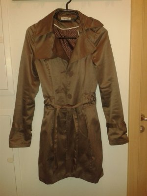 Eleganter Trenchcoat in Mocca