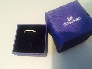 Eleganter und Dezenter Swarovski Ring