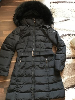 Eleganter warmer schwarzer Daunenmantel von Esprit