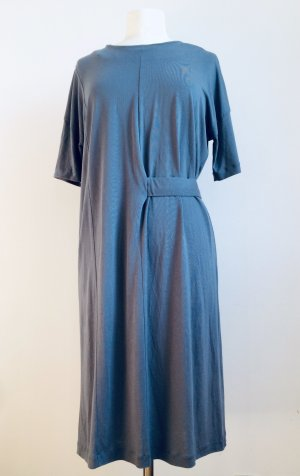 elegantes, bequemes Kleid von COS