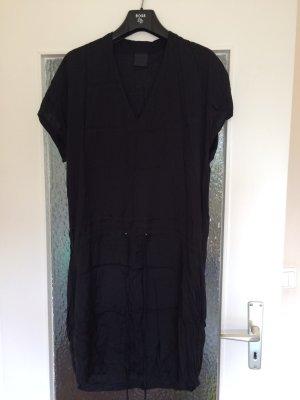 Elegantes Black Lilly dress