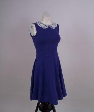 Elegantes blaues a-Linie Kleid mit Kragen
