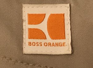 Elegantes Boss orange Kleid in beige