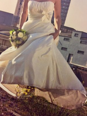 Elegantes Brautkleid von Weise Gr. 36