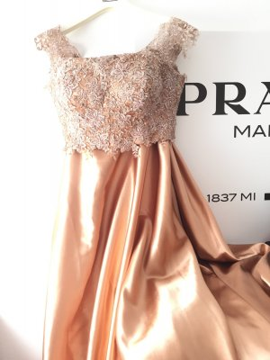 Elegantes Bronze Kleid