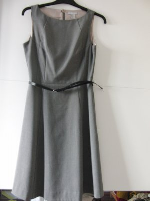 Elegantes Business-Kleid mit Gürtel