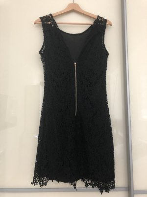 Elegantes enganliegendes Kleid