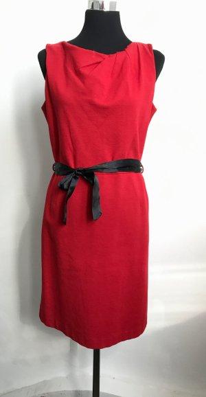 Elegantes Etui-Kleid ,schöner fester Stoff und figurschmeichler Schnitt