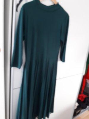 Elegantes grunes Kleid Asos Gr. 42