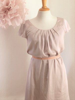 Elegantes Kleid im Seidenlook