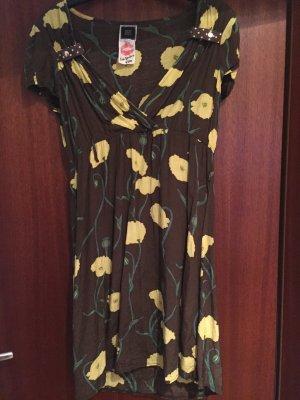 Elegantes Kleid mit Blumen