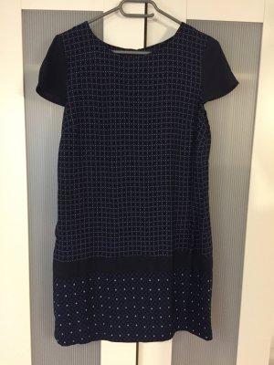 Elegantes Kleid mit Retro-Muster