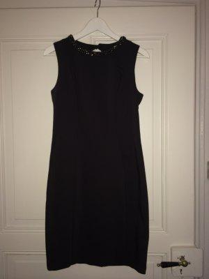 Elegantes Kleid mit Schmuck Kragen