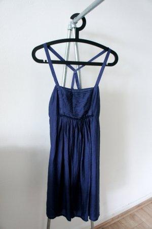 elegantes Kleid mit Schnürung