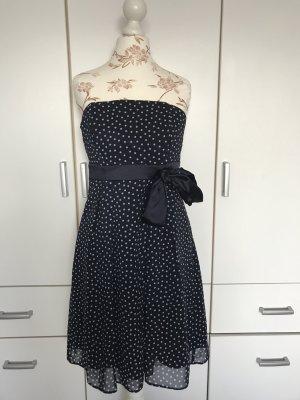 elegantes Kleid und kurzen Mantel