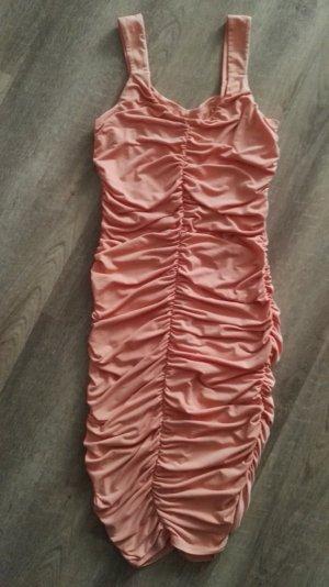 Elegantes Kleid von APART