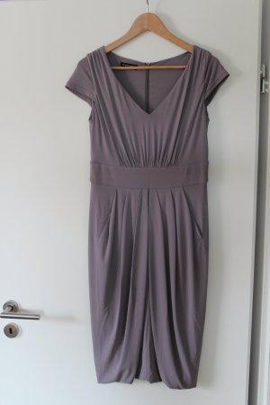 Elegantes Kleid von Blacky Dress Berlin in Graulila