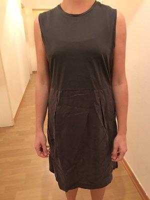 elegantes Kleid von COS