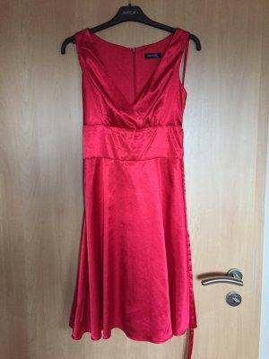 Elegantes Kleid von Laura Scott super für jeden Anlass