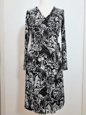 Elegantes Kleid von More & More