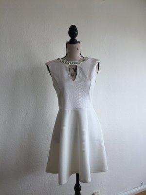 Elegantes Kleid von River Island mit Perlen