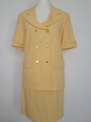 Traje para mujer amarillo pálido-amarillo