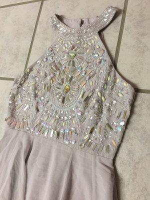 Elegantes langes Kleid mit Steinchen