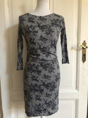 Elegantes Midi-Kleid