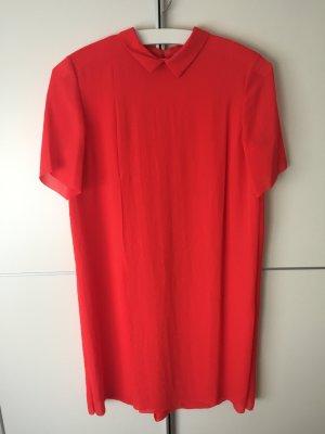 Elegantes rotes Kleid von COS