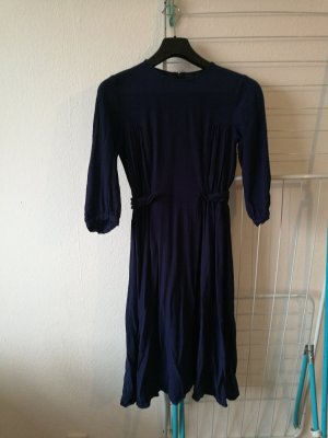Elegantes royalblaues Kleid