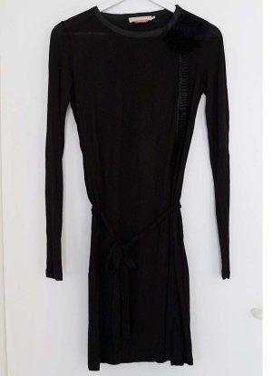 Elegantes, schwarzes Kleid mit Applikationen