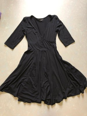 elegantes schwarzes Kleid mit tiefem Ausschnitt, Gr. 36