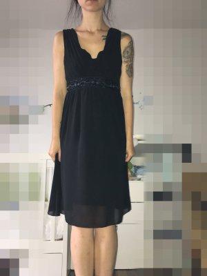 Elegantes schwarzes Kleid von C&A
