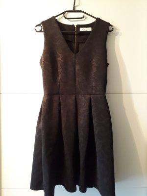 Elegantes schwarzes Kleid von Closet