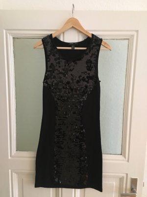 Elegantes schwarzes Kleid von Mango Suit