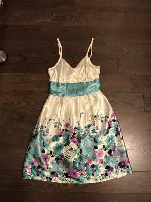 Elegantes Sommerkleid