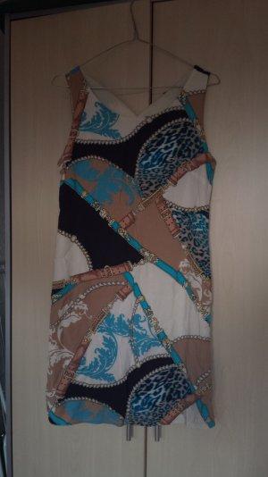 Elegantes Sommerkleid bunt gemustert