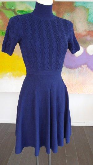 Elegantes Strickkleid aus Baumwolle mit Zopfmuster ULTRAMARINBLAU