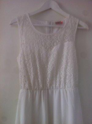 Elegantes, weißes Sommerkleid