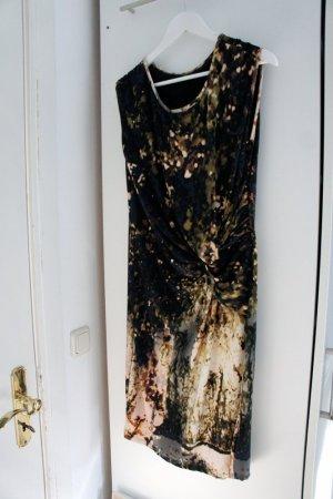 elegantes Wickelkleid mit Batikprint