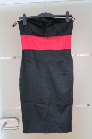 Elegeantes Abendkleid (Mein Abschlussballkleid) von REVIEW
