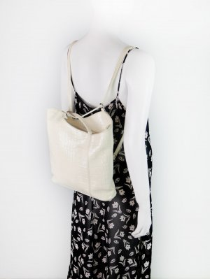 Elfenbeinfarbener Vintage Rucksack & Handtasche
