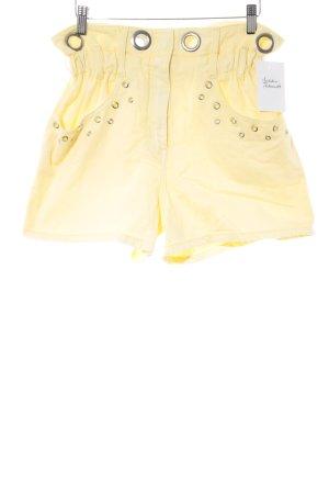 Elsa Bik Bok Shorts gelb Street-Fashion-Look