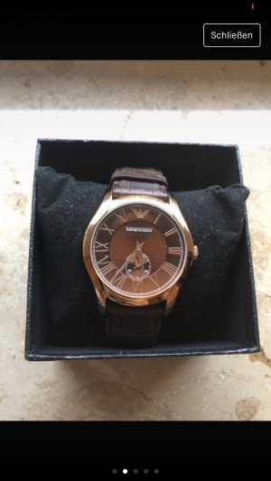 3835906e9f32 Emporio Armani Reloj con pulsera de cuero marrón