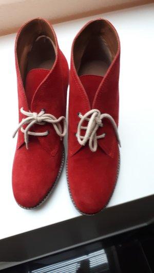 Emporio Armani Wildleder Ankle Boots in Größe 38