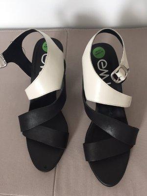 EMU Australia, Damen Sandalen, Farbe Schwarz und Weiss, Groesse 40
