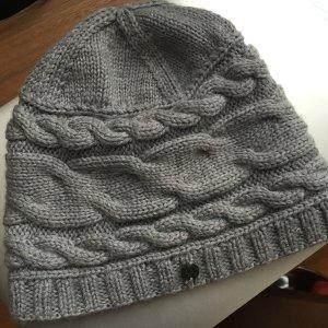Emu Beanie grey merino wool