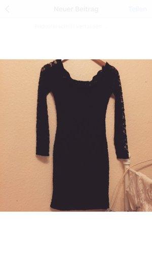 Eng anliegendes Abend Kleid