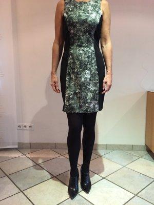 Enganliegendes Mango- Kleid