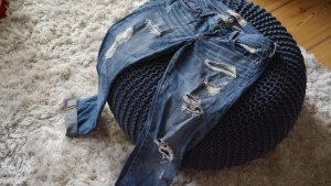 Enge Boyfriend Jeans destroyed von Hollister in S (w25)